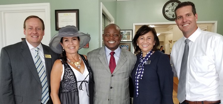 Signal Hill Mayor Visits Courtyard Care Center